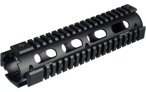 "UTG PRO 9"" AR-15 Drop-In Quad Rail Handschutz"